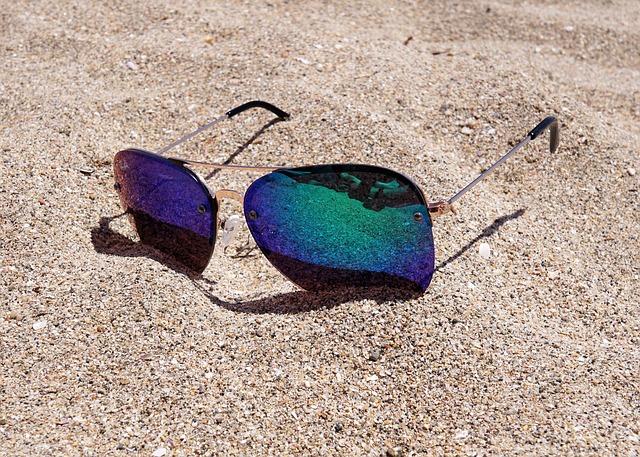 brýle na pláž